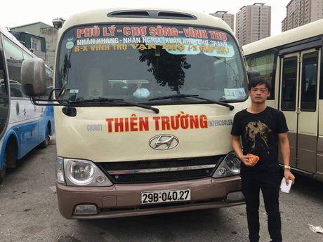 Tai xe, phu xe Thien Truong bi 7 con do hanh hung tai ben - Anh 2