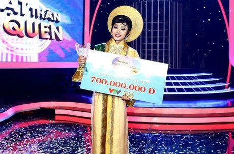 Jun Pham trich 500 trieu dong tu giai thuong giup tre em bi tim bam sinh - Anh 1