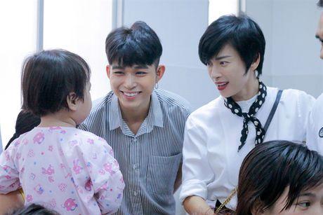 Jun Pham trich 500 trieu dong tu giai thuong giup tre em bi tim bam sinh - Anh 5