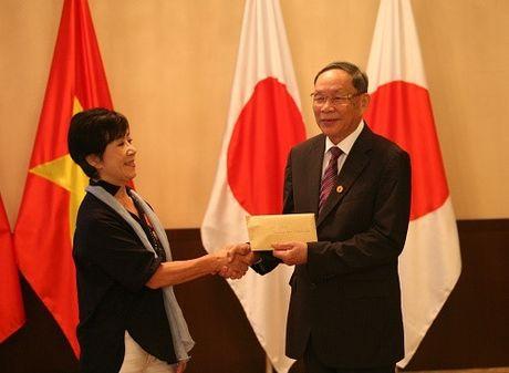 Viet Nam trao Huan chuong huu nghi cho dao dien Masako Sakata - Anh 2