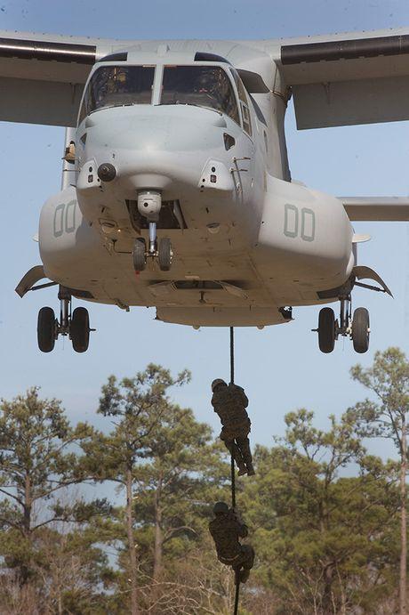 Kham pha suc manh 'chim ung bien' Boeing V-22 Osprey - Anh 12