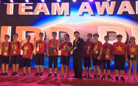 Viet Nam doat 2 Huy chuong Bac cuoc thi Olympiad Toan hoc the gioi - Anh 1