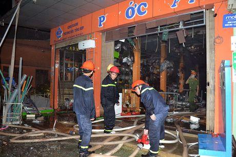 Chay du doi tai cua hang kinh doanh do dien tu o Quang Tri - Anh 13