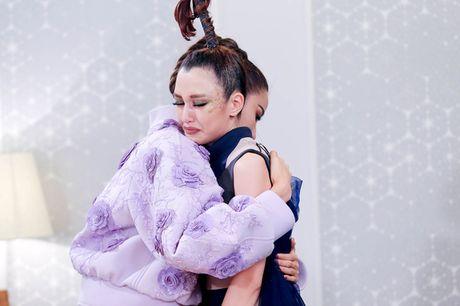 'Tam thu' cua Hoang Thuy gui Phuong Chi sau khi cai nhau o The Face - Anh 2