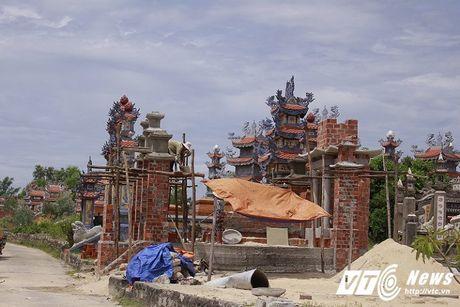 Chuyen 'nguoi chet nuoi nguoi song' o thanh pho lang mo xa hoa bac nhat Viet Nam - Anh 3