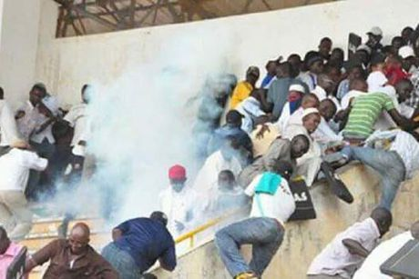 Senegal bat giu 10 nghi can lien quan den tham kich giam dap - Anh 1