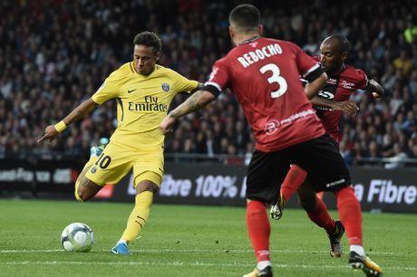 Neymar ghi ban trong tran ra mat PSG - Anh 1