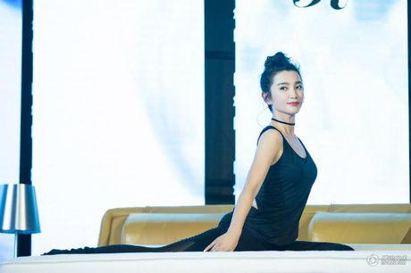 Ly Gia Han, Ly Bang Bang lo 'tuyet chieu' giu dang o tuoi ngap nghe 50 - Anh 1