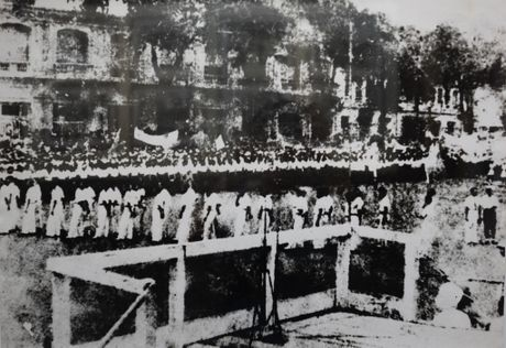 Nhung ngay thang Tam lich su nam 1945 - Anh 11