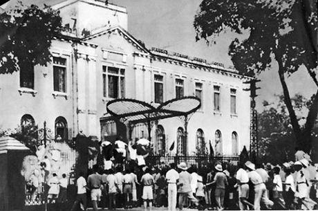 Nhung ngay thang Tam lich su nam 1945 - Anh 2