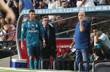 DIEM NHAN Barcelona 1-3 Real Madrid: Tran dau bi hai cua Ronaldo, Barca van nho Neymar - Anh 3