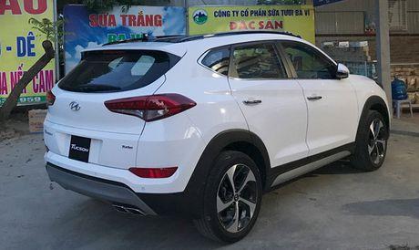 Hyundai Tucson Turbo ban lap rap trong nuoc bat ngo xuat hien tren duong pho Ha Noi - Anh 2