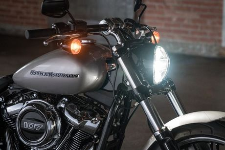 Harley-Davidson Softail 2018 gia tu 329 trieu co gi? - Anh 6