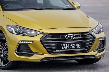 Hyundai Elantra Sport 1.6 Turbo 2017 gia 700 trieu co gi dac biet? - Anh 10