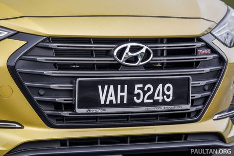 Hyundai Elantra Sport 1.6 Turbo 2017 gia 700 trieu co gi dac biet? - Anh 14