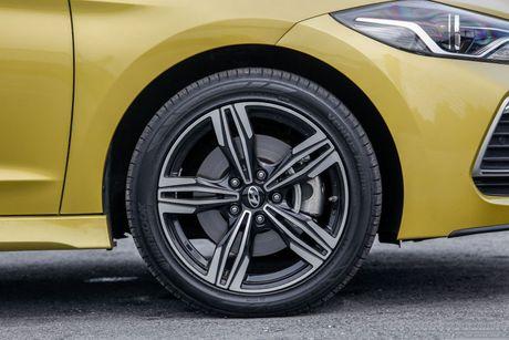 Hyundai Elantra Sport 1.6 Turbo 2017 gia 700 trieu co gi dac biet? - Anh 16