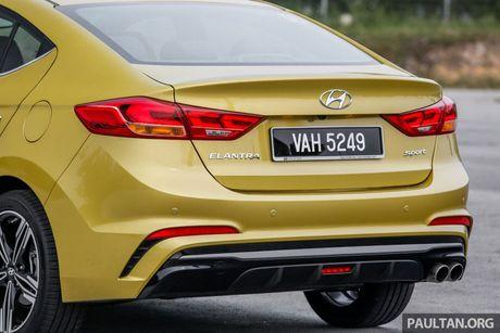 Hyundai Elantra Sport 1.6 Turbo 2017 gia 700 trieu co gi dac biet? - Anh 17