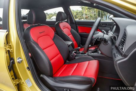 Hyundai Elantra Sport 1.6 Turbo 2017 gia 700 trieu co gi dac biet? - Anh 20