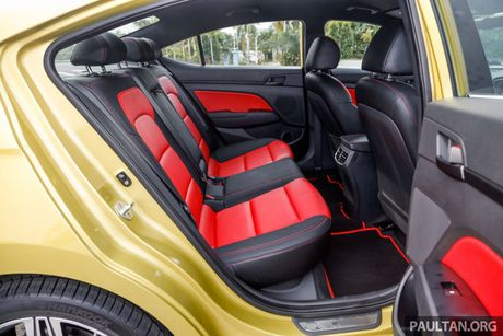 Hyundai Elantra Sport 1.6 Turbo 2017 gia 700 trieu co gi dac biet? - Anh 24