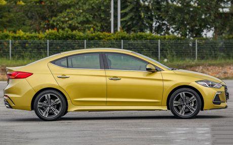 Hyundai Elantra Sport 1.6 Turbo 2017 gia 700 trieu co gi dac biet? - Anh 6