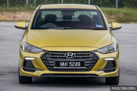 Hyundai Elantra Sport 1.6 Turbo 2017 gia 700 trieu co gi dac biet? - Anh 8