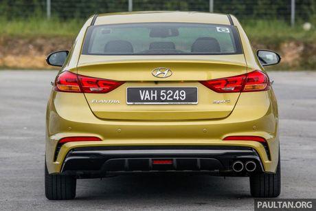 Hyundai Elantra Sport 1.6 Turbo 2017 gia 700 trieu co gi dac biet? - Anh 9