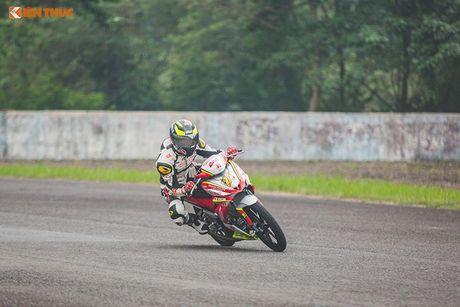 'Soi' xe may Honda Winner Viet Nam do dua sieu khung - Anh 12
