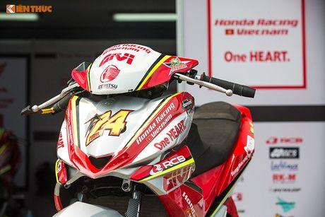 'Soi' xe may Honda Winner Viet Nam do dua sieu khung - Anh 2