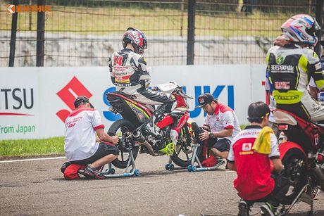 'Soi' xe may Honda Winner Viet Nam do dua sieu khung - Anh 9