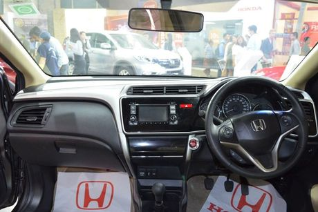 Sedan Honda City phien ban 'xe doi' day chat choi - Anh 3