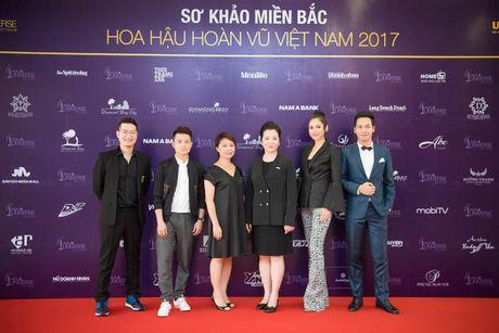 Lo dien Ban giam khao Hoa hau Hoan vu Viet Nam 2017 vong so khao mien Bac - Anh 1