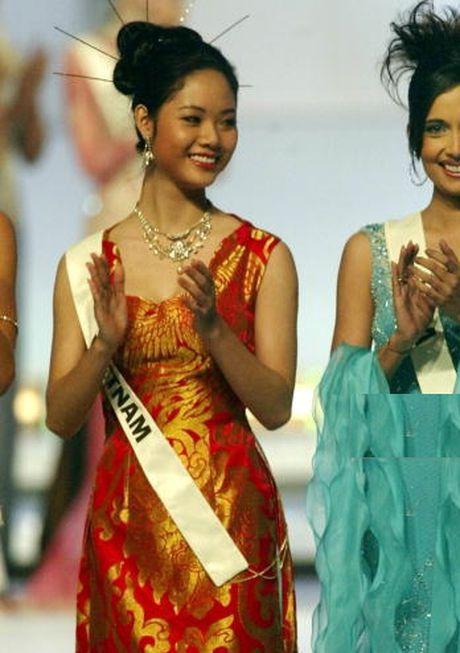 Thi Miss World: Dan chi 1m8 van trang tay, My Linh be nho lieu co lam nen chuyen? - Anh 2