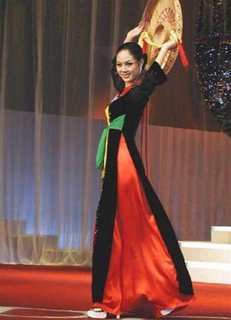 Thi Miss World: Dan chi 1m8 van trang tay, My Linh be nho lieu co lam nen chuyen? - Anh 3