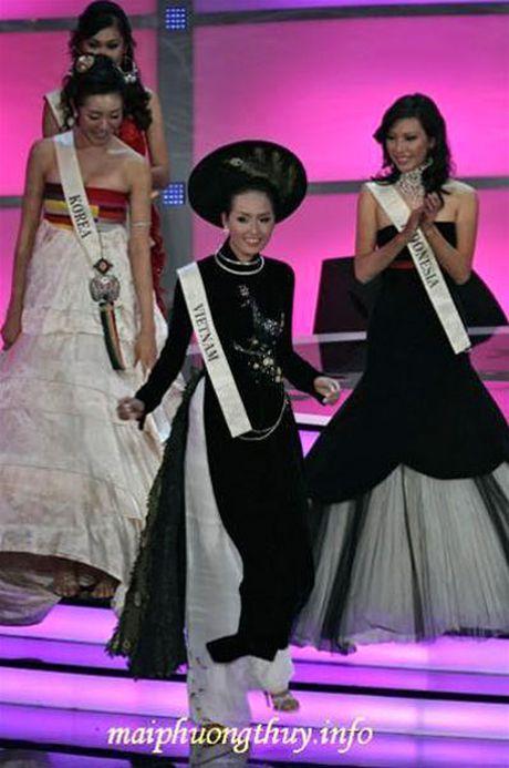 Thi Miss World: Dan chi 1m8 van trang tay, My Linh be nho lieu co lam nen chuyen? - Anh 8