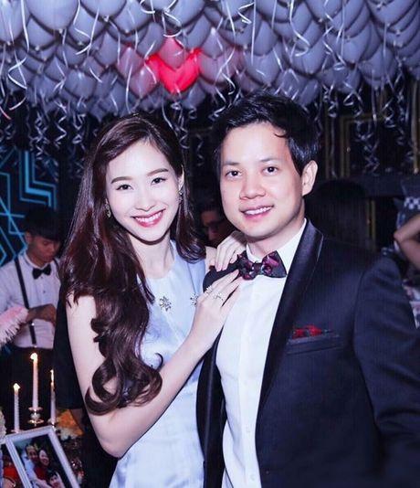 Hoa hau Thu Thao chinh thuc xac nhan dam cuoi duoc to chuc vao thang 10 - Anh 2