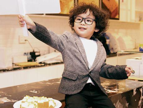 Ngo ngang truoc ve sieu dang yeu cua con trai Hoa hau Diem Huong - Anh 5