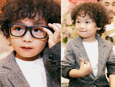 Ngo ngang truoc ve sieu dang yeu cua con trai Hoa hau Diem Huong - Anh 6