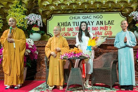Song nhu ba hoang, Ly Nha Ky van khong quen ky uc ve tuoi tho ngheo kho chi toan an khoai luoc - Anh 3