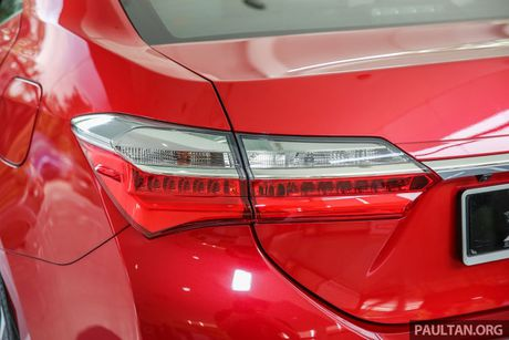 Can canh Toyota Corolla Altis 2.0V 2017 gia hon 700 trieu tai Malaysia - Anh 13