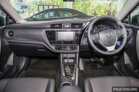 Can canh Toyota Corolla Altis 2.0V 2017 gia hon 700 trieu tai Malaysia - Anh 16