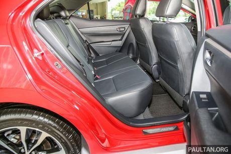 Can canh Toyota Corolla Altis 2.0V 2017 gia hon 700 trieu tai Malaysia - Anh 18