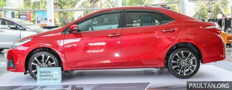 Can canh Toyota Corolla Altis 2.0V 2017 gia hon 700 trieu tai Malaysia - Anh 4