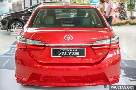Can canh Toyota Corolla Altis 2.0V 2017 gia hon 700 trieu tai Malaysia - Anh 6