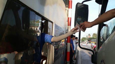 BOT Bien Hoa phai xa tram vi tai xe dong loat dung tien le tra phi - Anh 2
