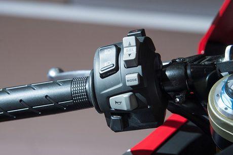 Xe moto Honda CBR1000RR SP2 gia gan 1 ty dong tai VN - Anh 7
