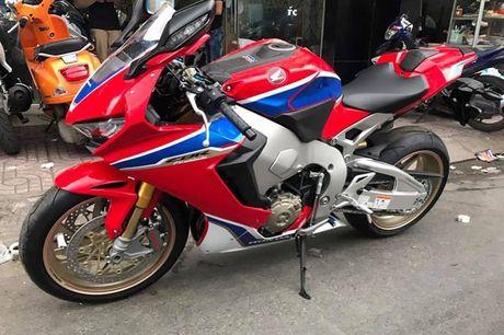 Xe moto Honda CBR1000RR SP2 gia gan 1 ty dong tai VN - Anh 9