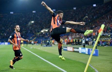 Shakhtar Donetsk 2-1 Napoli: Sa lay tren dat Ukraina - Anh 5