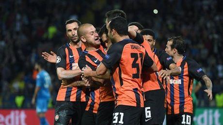 Shakhtar Donetsk 2-1 Napoli: Sa lay tren dat Ukraina - Anh 10