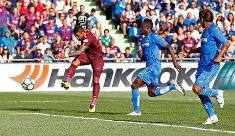 Tan binh Paulinho toa sang, Barcelona nhoc nhan vuot qua Getafe - Anh 1