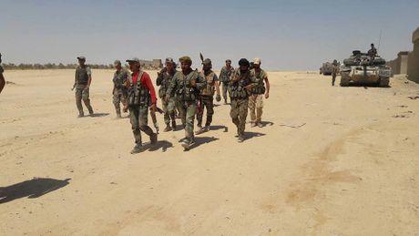 Chien su Syria: Quan Assad nghien nat IS, chiem quan Al-Baghiliyah o Deir Ezzor (video) - Anh 1